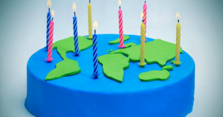 Cake with world